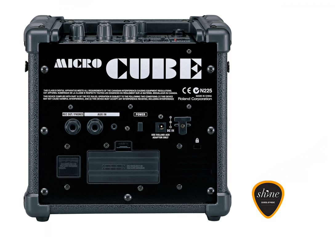 roland cube 15w amplifier instrument rental barcelona. Black Bedroom Furniture Sets. Home Design Ideas